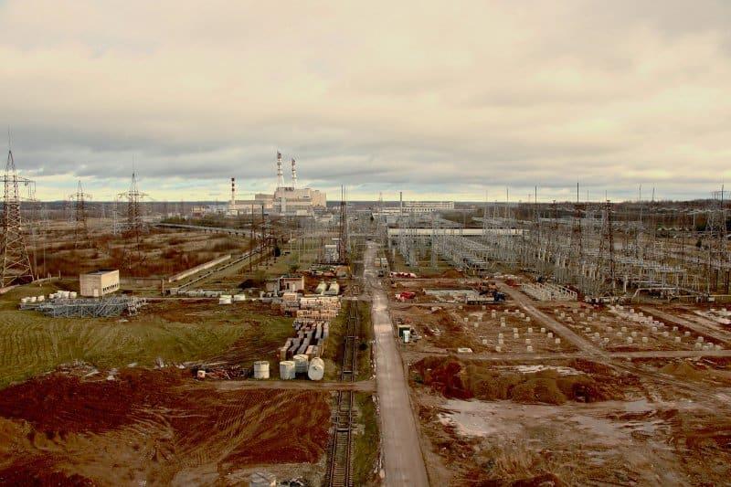 Игналинская атомная электростанция, как видно из верхней части заброшенного административного здания, в Висагинасе, Литва, 30 ноября 2019 г. Фото: ©Маделин Роаш (Madeline Roache) для Time.