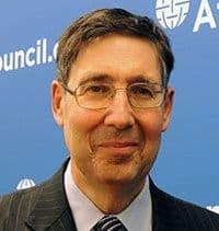 Джон Хербст (John E. Herbst). Директор «Центра Евразии» и бывший посол США в Украине.