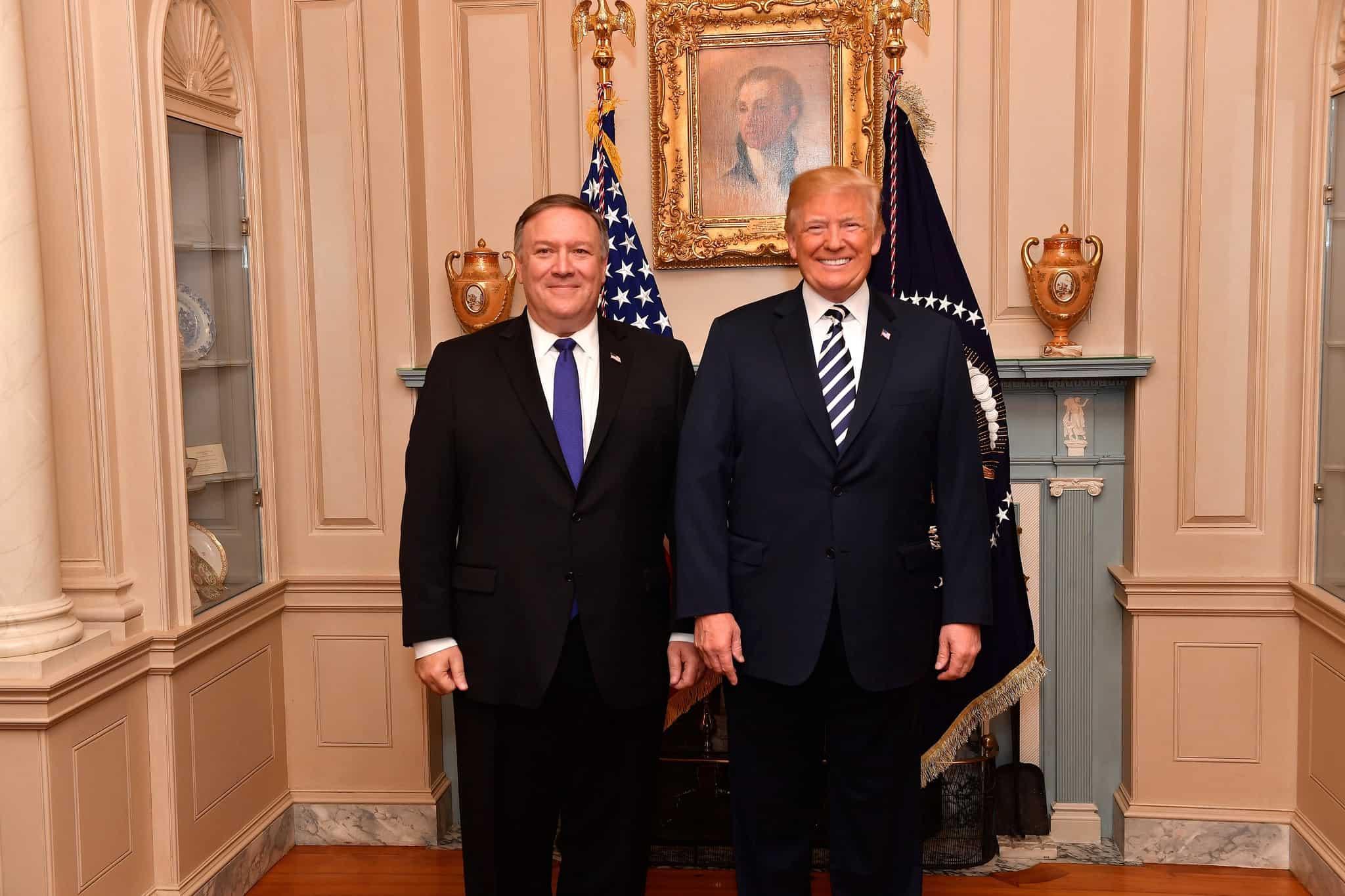 Президент США Дональд Трамп и Госсекретарь Майк Помпео.