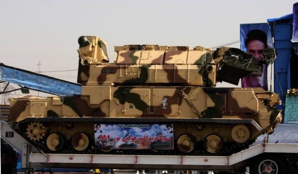 ЗРК «Тор» (индекс ГРАУ — 9К330, по классификации МО США и NATO — SA-15 Gauntlet. Всепогодный тактический зенитный ракетный комплекс (ЗРК), предназначенный для решения задач противовоздушной и противоракетной обороны.